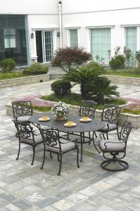 Biscayne Oval Dining
